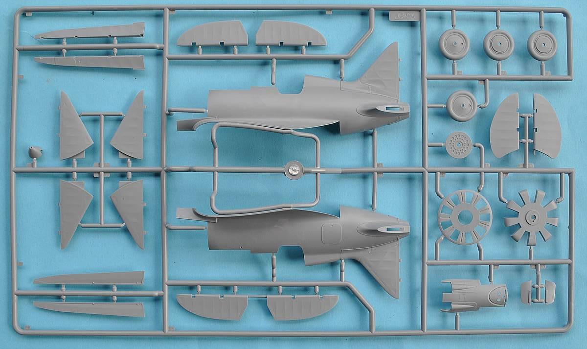ICM-32001-I-16-Typ-24-3 Polikarpov I-16 Typ 24 in 1:32 von ICM (32001)