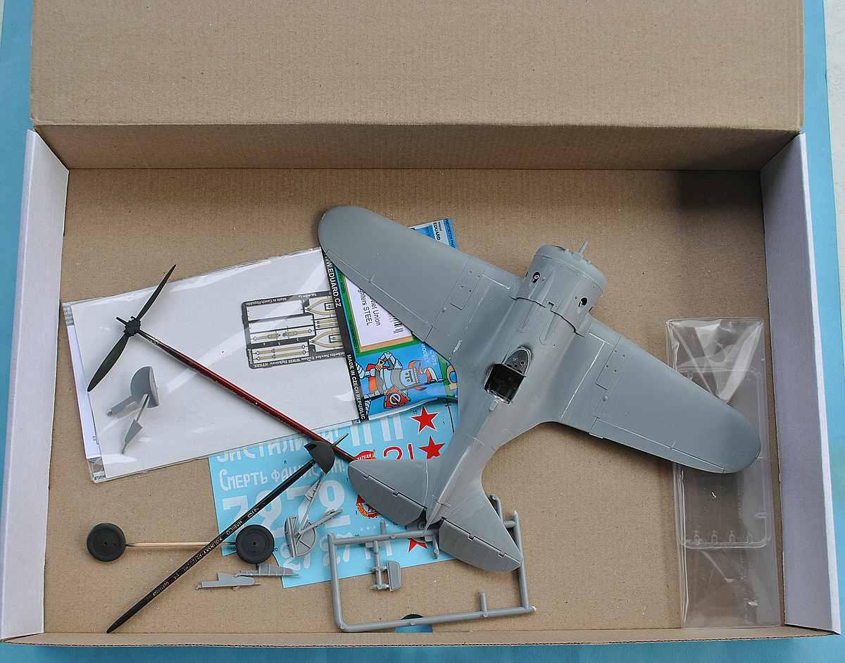 ICM-32001-I-16-Typ-24-38 Polikarpov I-16 Typ 24 in 1:32 von ICM (32001)