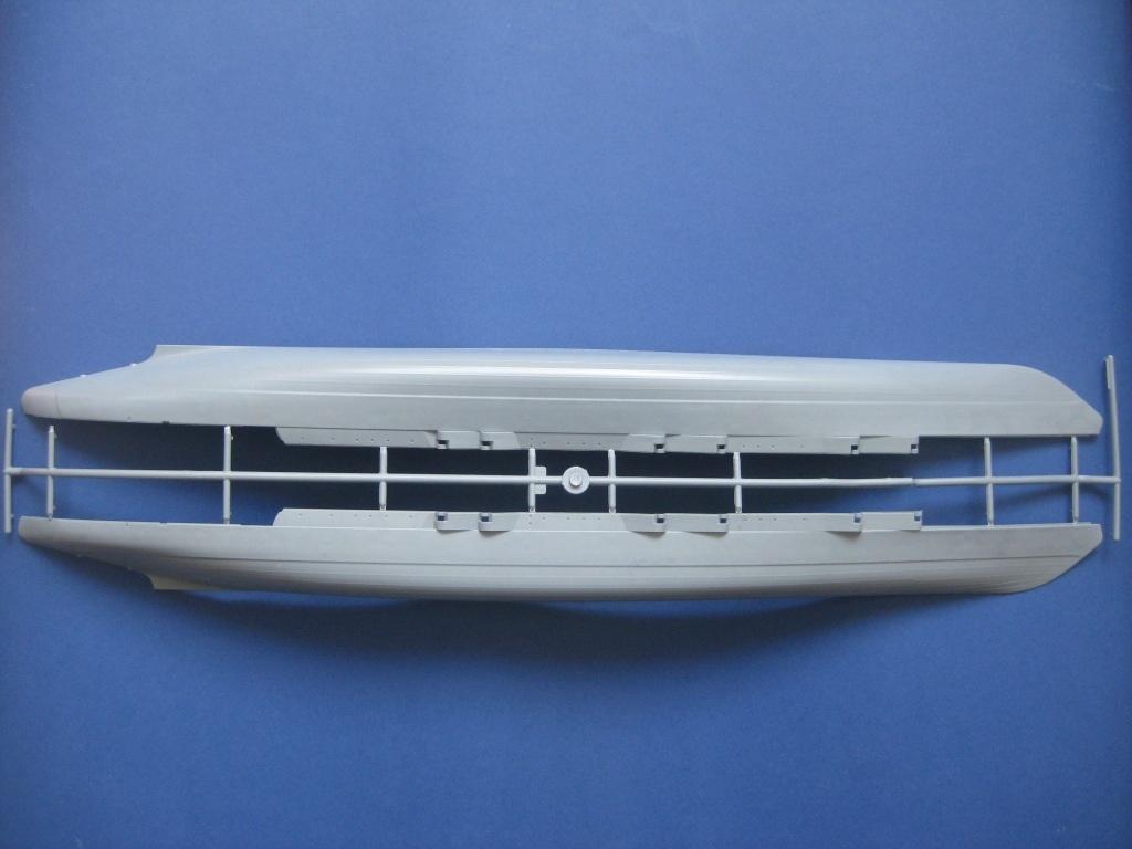 Zvezda-9060-Poltava-Spritzling-A Schlachtschiff POLTAVA in 1:350 von Zvezda 9060