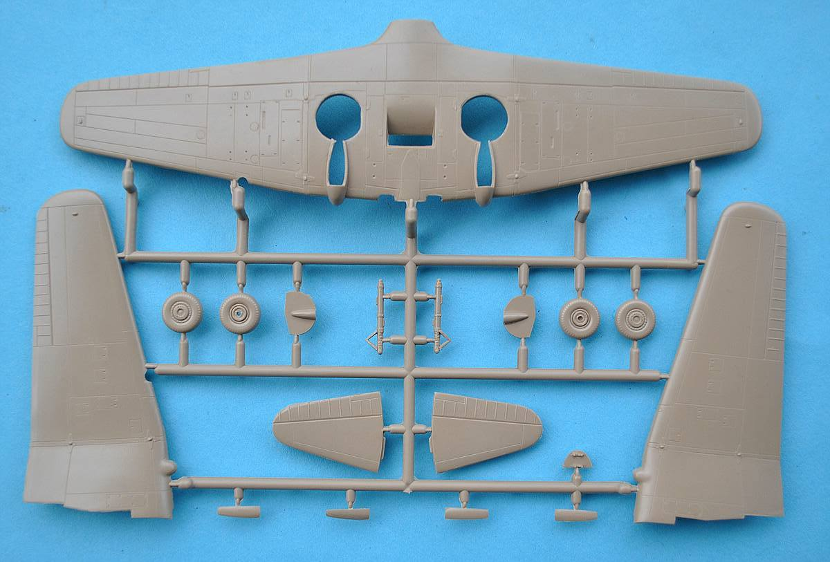 FLY-72038-Ilyushin-Il-10-Chinese-and-Korea-servioce-15 Ilyushin Il-10 im Maßstab 1:72 von FLY (72037 und 72038)