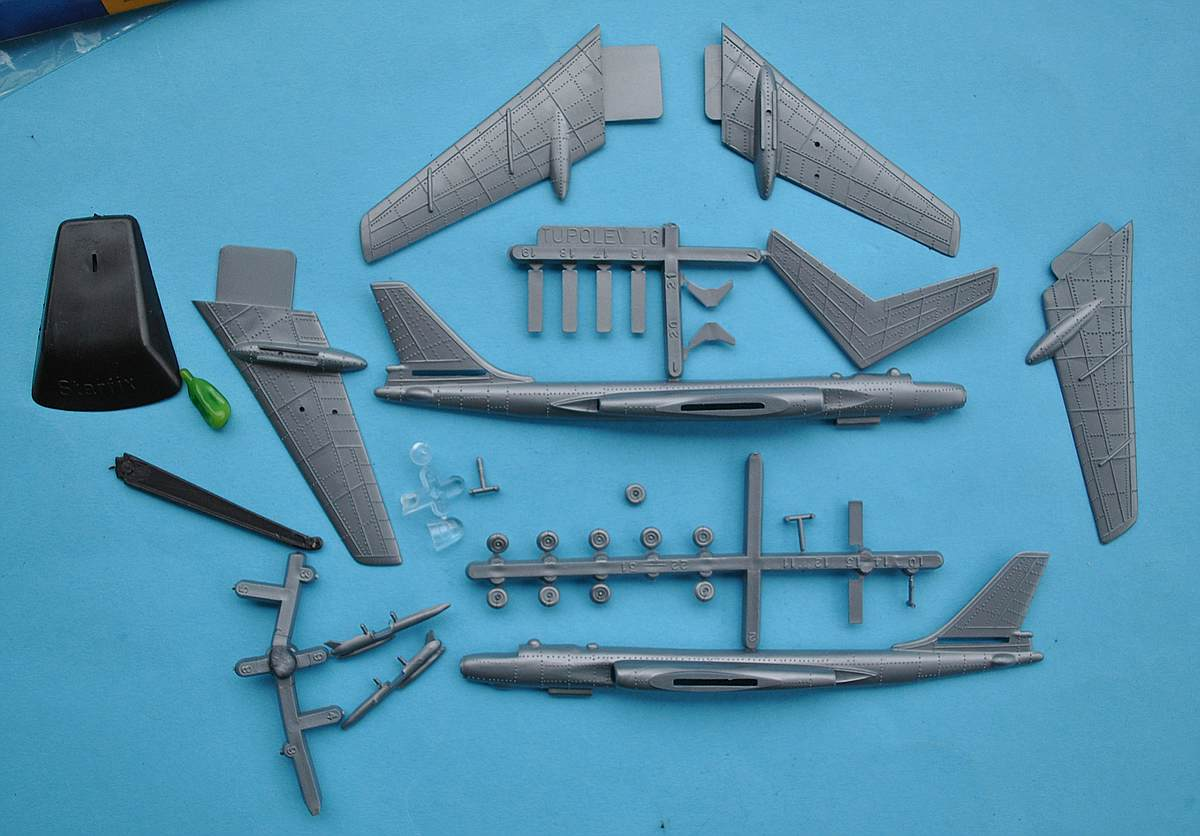 Starfix-Tupolev-TU-16-10 Kit-Archäologie - heute: Starfix Tupolev Tu-16 im Maßstab 1:200