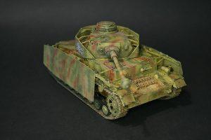 Zvezda-3620-Pz.-IV-Ausf.-H-GEBAUT-3-300x200 Zvezda 3620 Pz. IV Ausf. H GEBAUT (3)