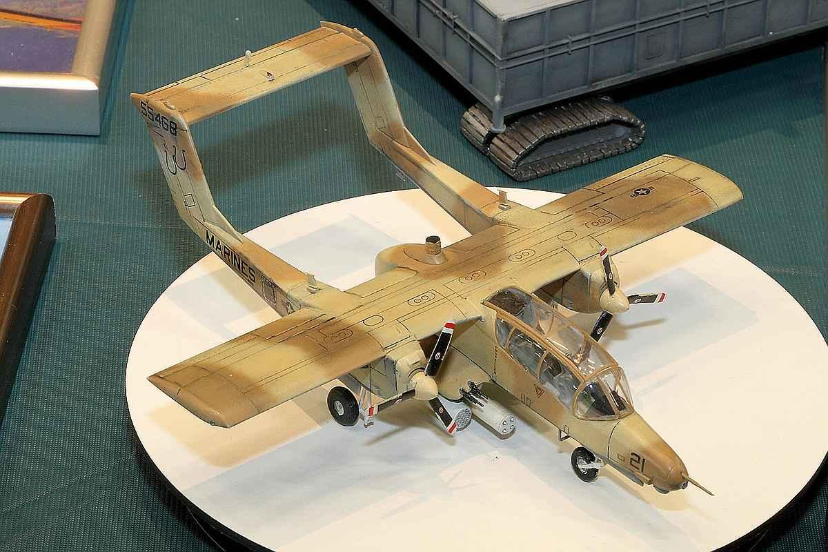 """Academy-OV-10D-Bronco-Desert-Storm-12 OV 10 D Bronco """"Desert Storm"""" in 1:72 von Academy"""