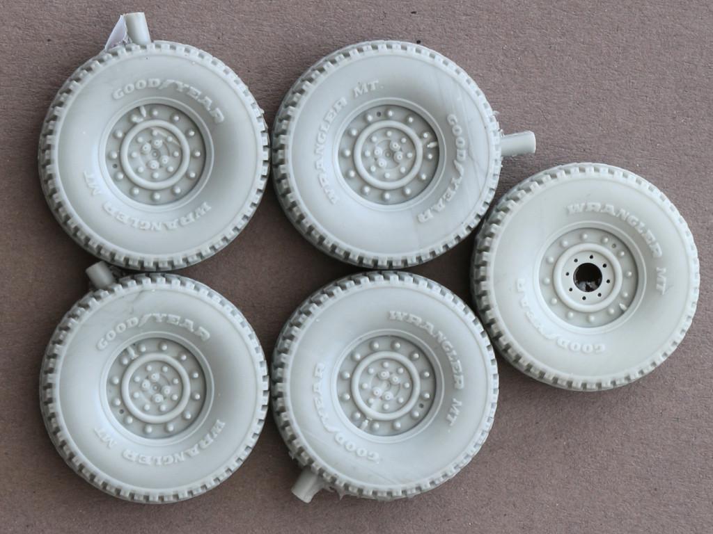 Reifen-late Road Wheels für HUMVEE 1:35 Panzer Art #RE35-075 und #RE35-212