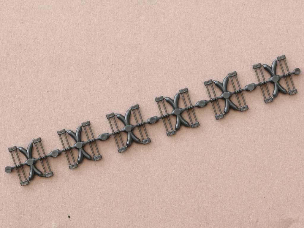 03-1-1024x768 D 640 A Workable Tracks for Leopard 1 Family 1:35 Meng (#SPS-016)