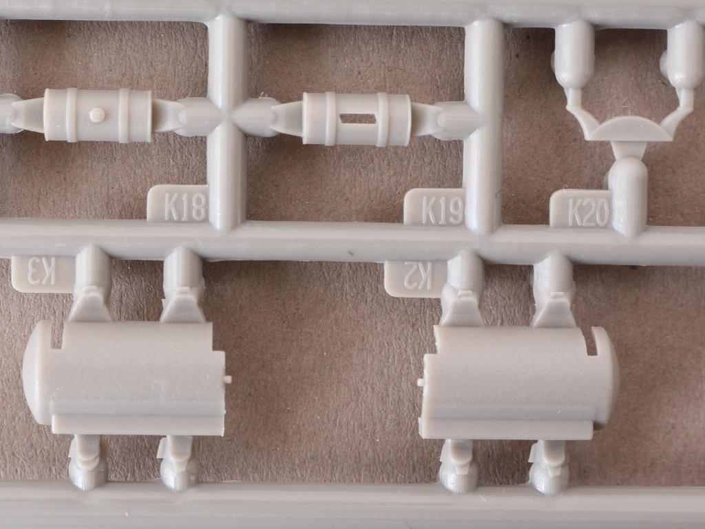 04-4 USA Air Compressor 1:35 Mirror Models (#35050)
