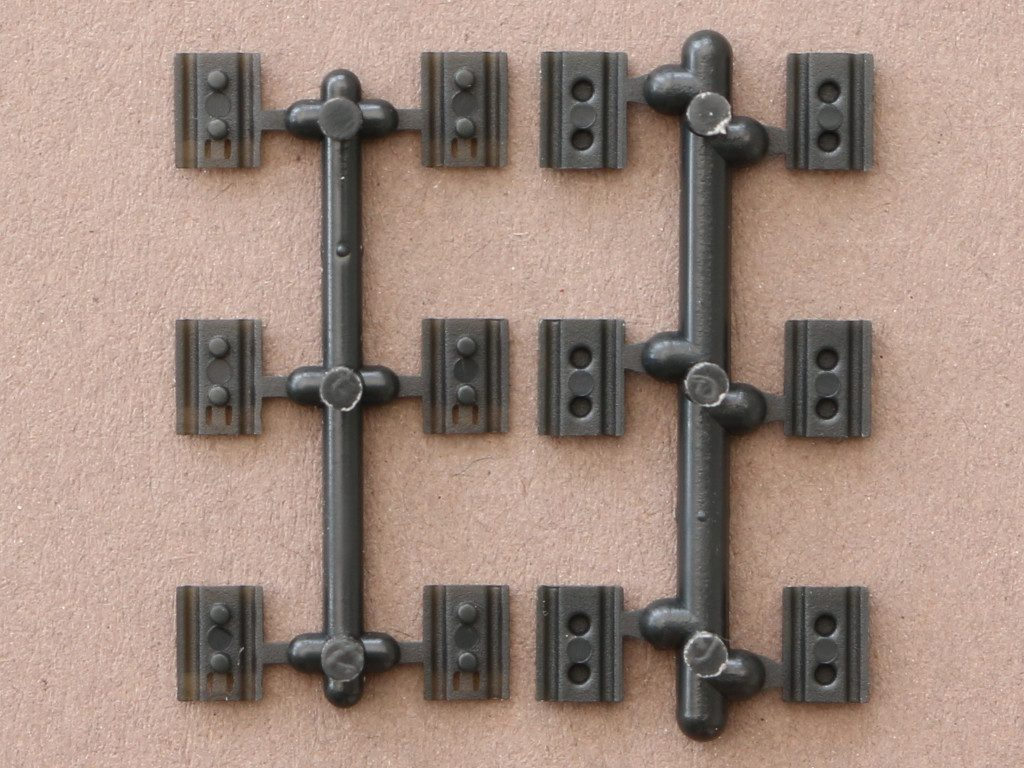 05-1-1024x768 D 640 A Workable Tracks for Leopard 1 Family 1:35 Meng (#SPS-016)