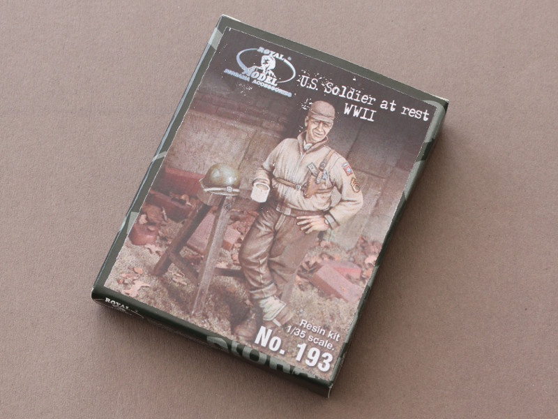 Box-1 US Soldier at rest WWII Royal Model (#193)