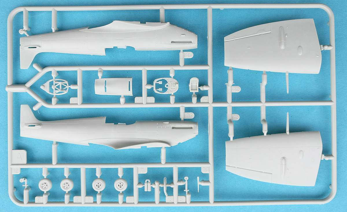 Revell-03897-Spitfire-Mk.-Vb-7 Spitfire Mk. Vb im Maßstab 1:72 von Revell 03897