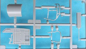 Revell-05147-PT-109-8-300x173 Revell 05147 PT 109 (8)