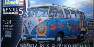 Revell T1 Samba Bus Flower Power in 1:24