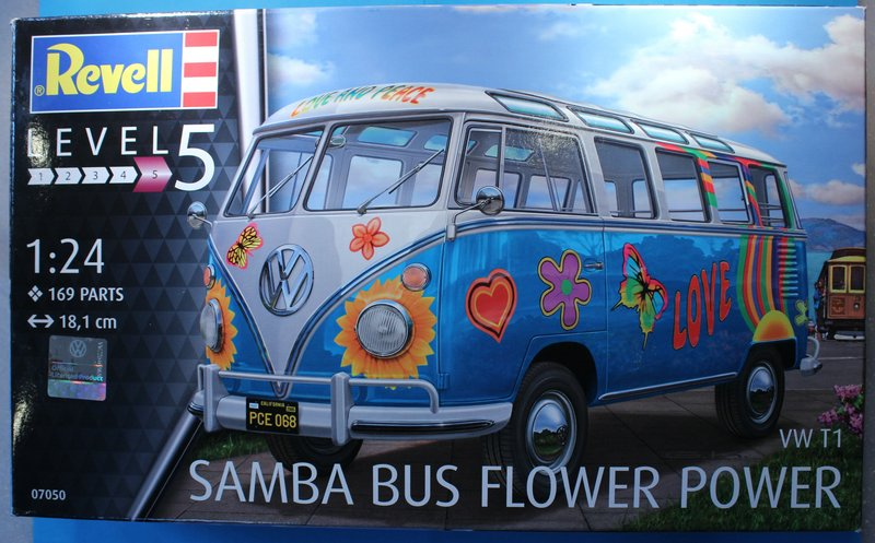 tiny_IMG_2764 Revell T1 Samba Bus Flower Power in 1:24