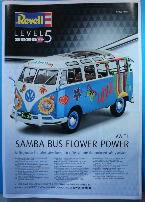tiny_IMG_2765 Revell T1 Samba Bus Flower Power in 1:24