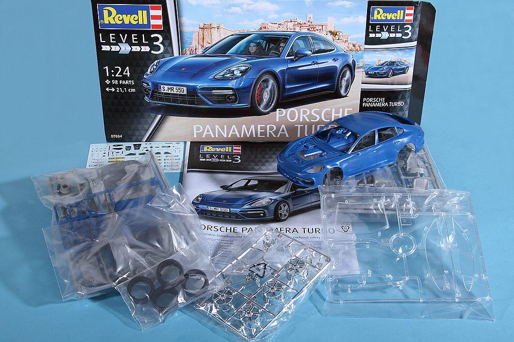 Revell-07034-Porsche-Panamera-Turbo-12 Porsche Panamera Turbo in 1:24 Revell 07034