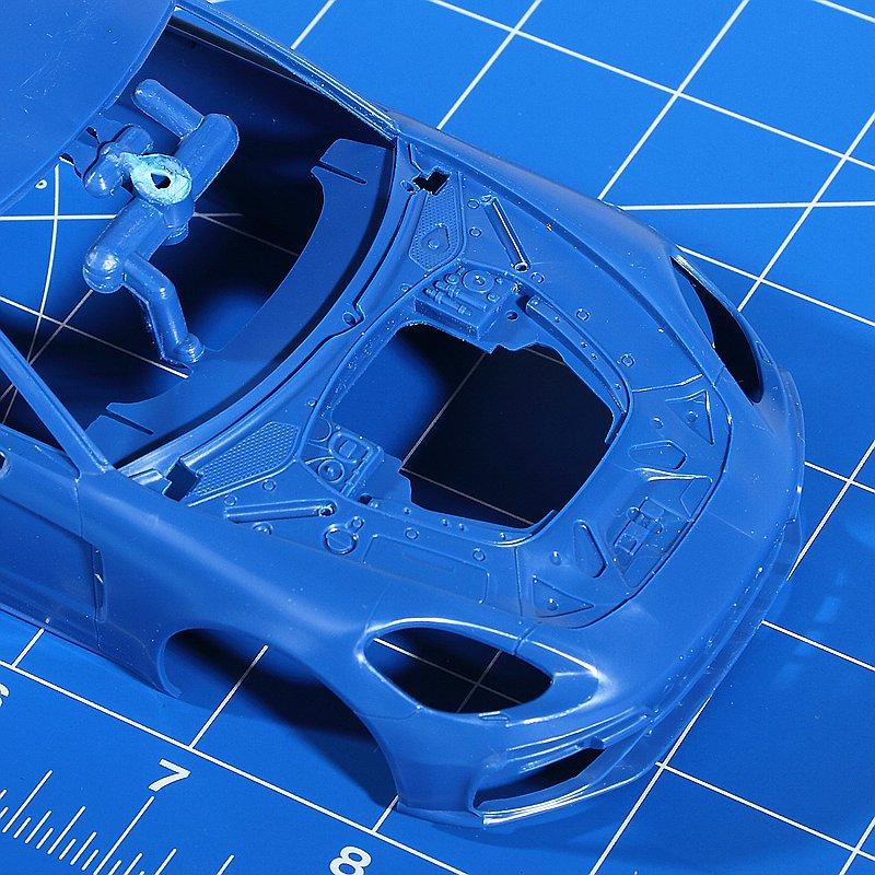Revell-07034-Porsche-Panamera-Turbo-3 Porsche Panamera Turbo in 1:24 Revell 07034