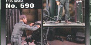 Mechanics im Maßstab 1:35 von Royal Model No. 590