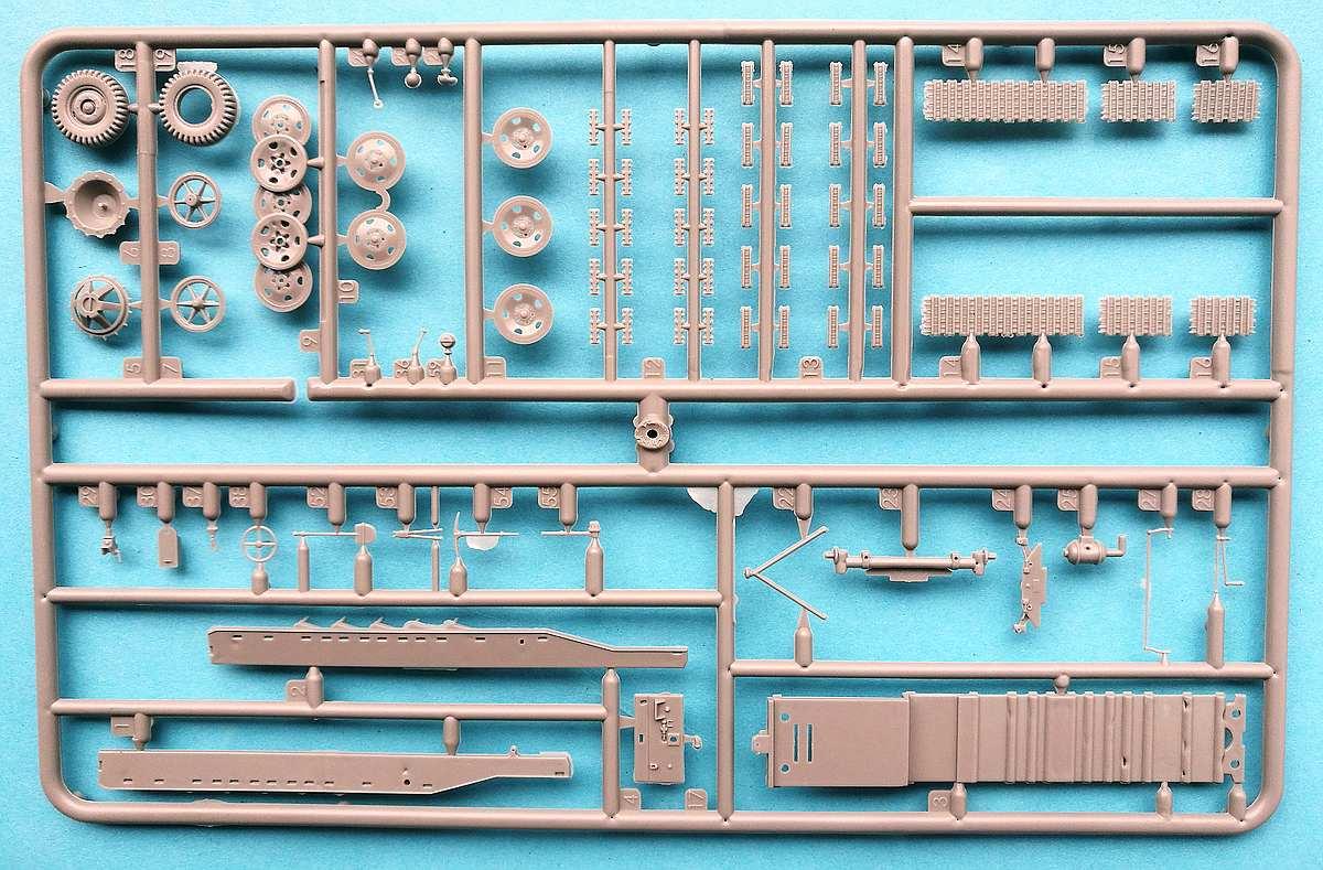Revell-03264-sWS-with-15cm-Panzerwerfer42-8 sWS mit 15cm Panzerwerfer42 im Maßstab 1:72 von Revell 03264