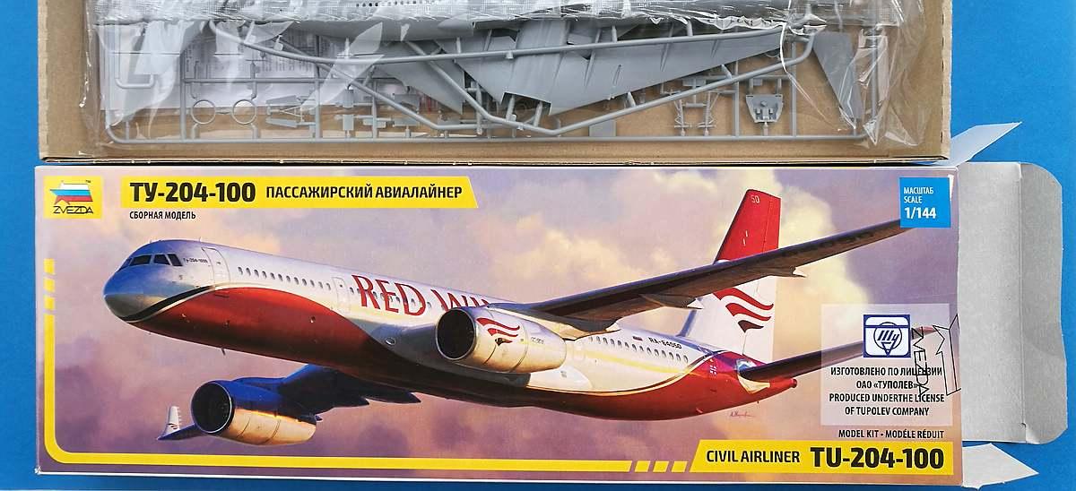 Zvezda-7023-Tupolev-Tu-204-100-22 Tupolev Tu 204-100 im Maßstab 1:144 von Zvezda 7023
