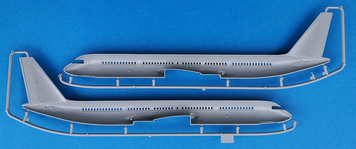 Zvezda-7023-Tupolev-Tu-204-100-30 Tupolev Tu 204-100 im Maßstab 1:144 von Zvezda 7023