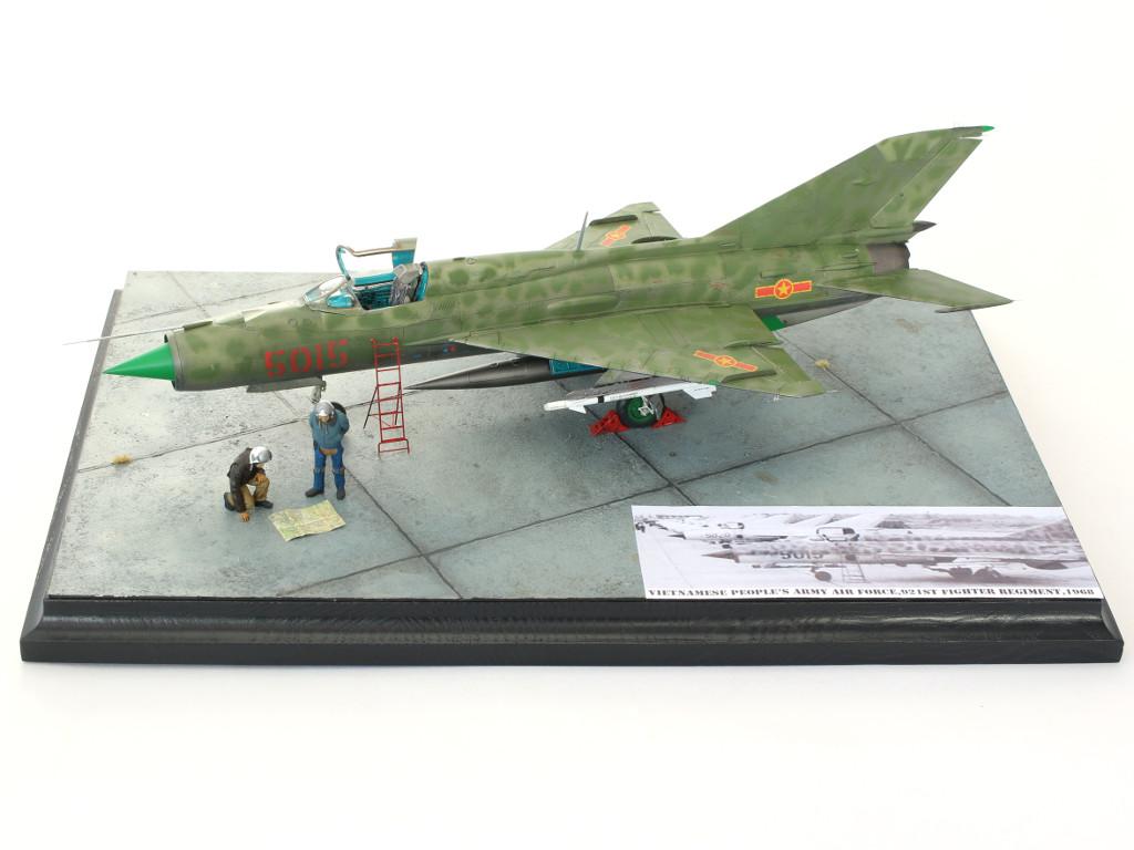"""04-1 Build Review MiG-21PFM Eduard """"Sound of Silence"""" 1:48 (#11101)"""