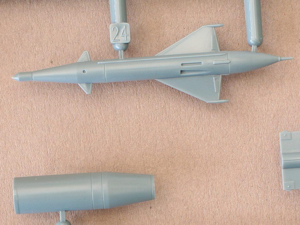 "E-3-1024x768 MiG-21PFM ""Vietnam"" 1:48 Eduard (#11115)"