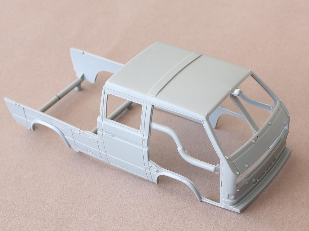 Karo-1 T3 Transporter Truck Double Cab 1:35 Takom (#2014)