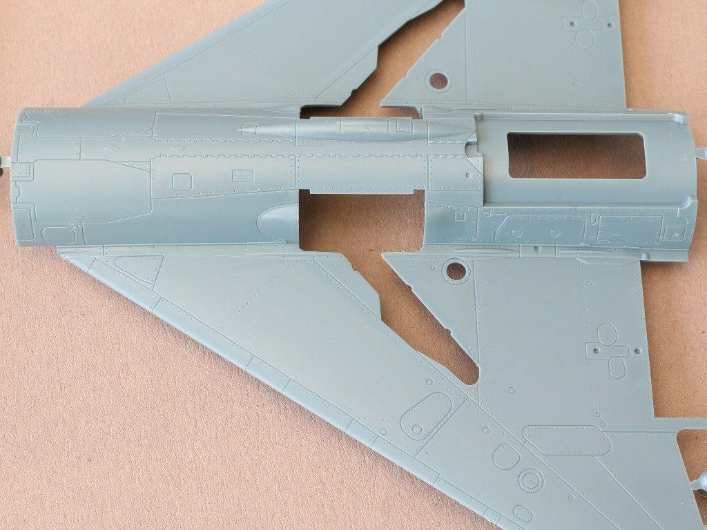"""L-2-1024x768 MiG-21PFM """"Vietnam"""" 1:48 Eduard (#11115)"""