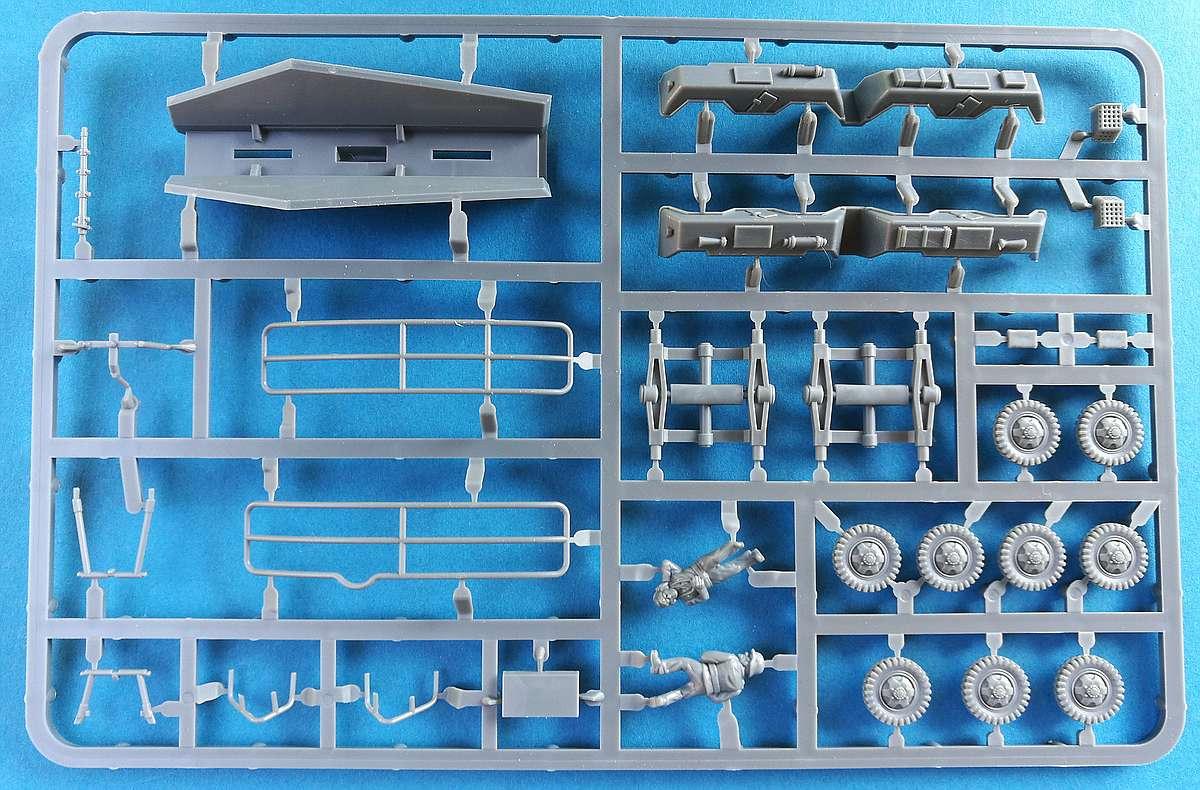 PlasticSoldierCompany-WW2V20025-Sd.Kfz_.-231-Achtrad-Spähwagen-13 Sd.Kfz. 231 8-Rad Spähwagen von Plastic Soldier Company im Maßstab 1:72