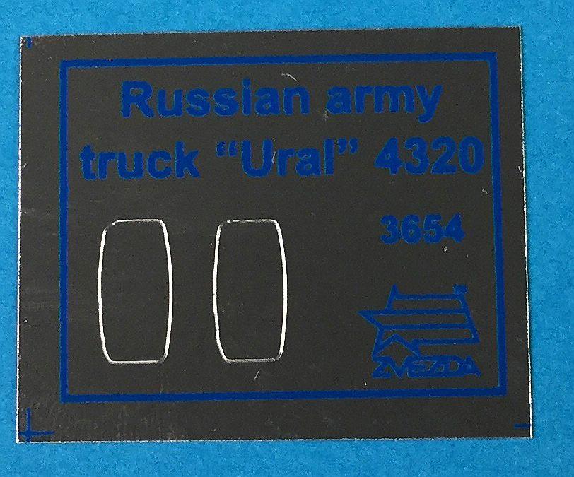 Zvezda-3654-Ural-4320-Spiegelfolie-1 Russischer LKW Ural 4320 im Maßstab 1:35 von Zvezda 3654