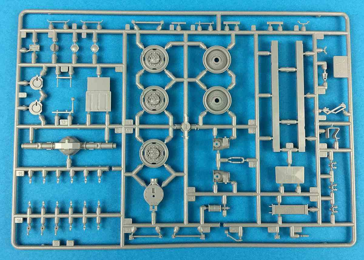 Zvezda-3654-Ural-4320-Spritzling-F-1 Russischer LKW Ural 4320 im Maßstab 1:35 von Zvezda 3654