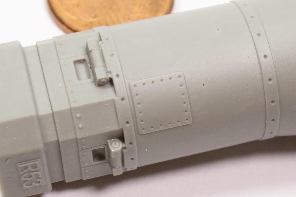 "Eduard_MOAB_1-48_07 GBU-43/B Massive Ordnance Air Blast (""MOAB"") – Eduard BRASSIN 1/48"