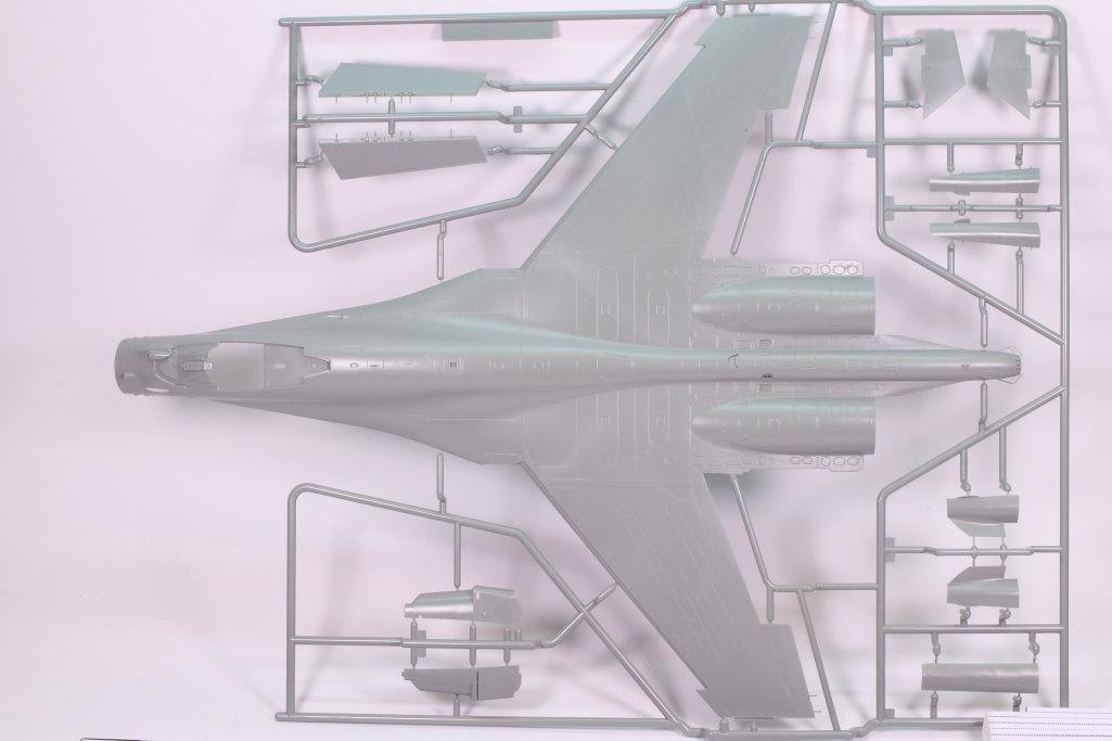 "GWH_Su-35S_03 Su-35S ""Flanker-E"" - Great Wall Hobby (G.W.H) 1/48"
