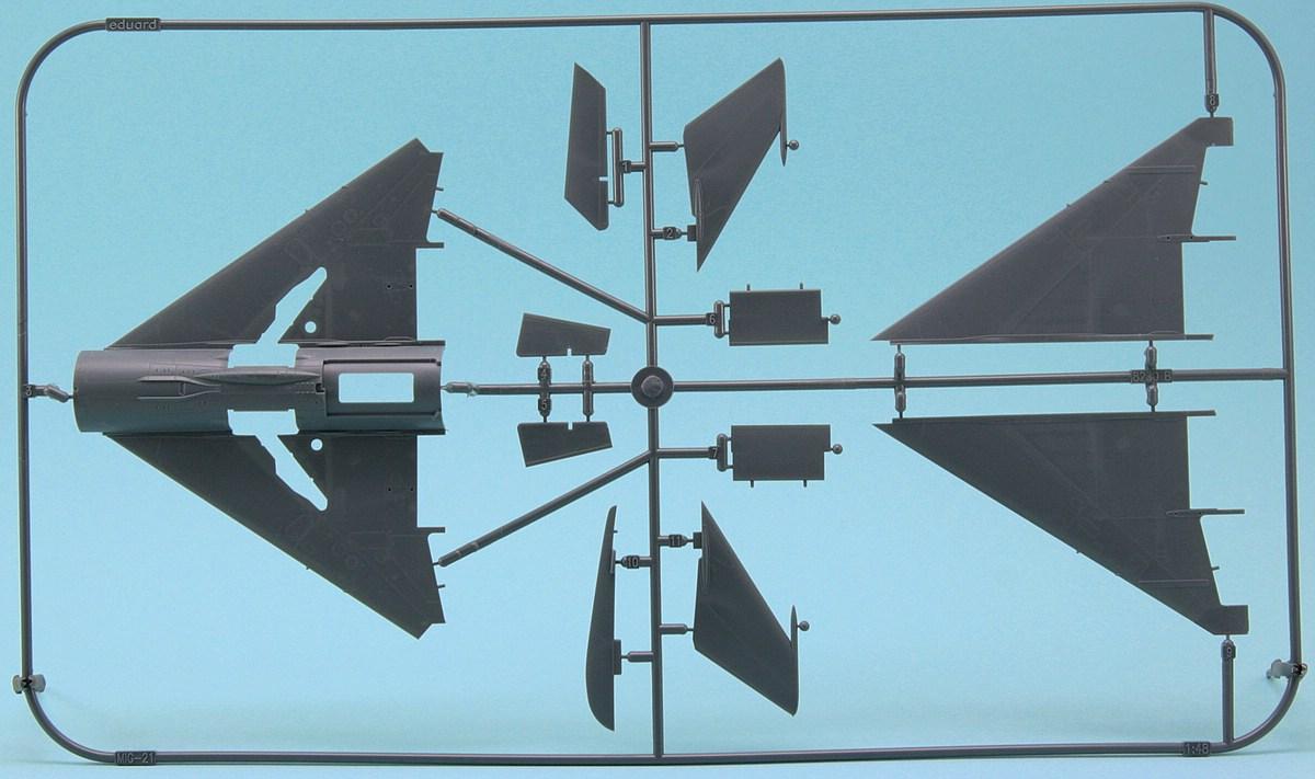 Revell-03915-MiG-21-SMT-51 MiG-21 SMT im Maßstab 1:48 von Revell 03915