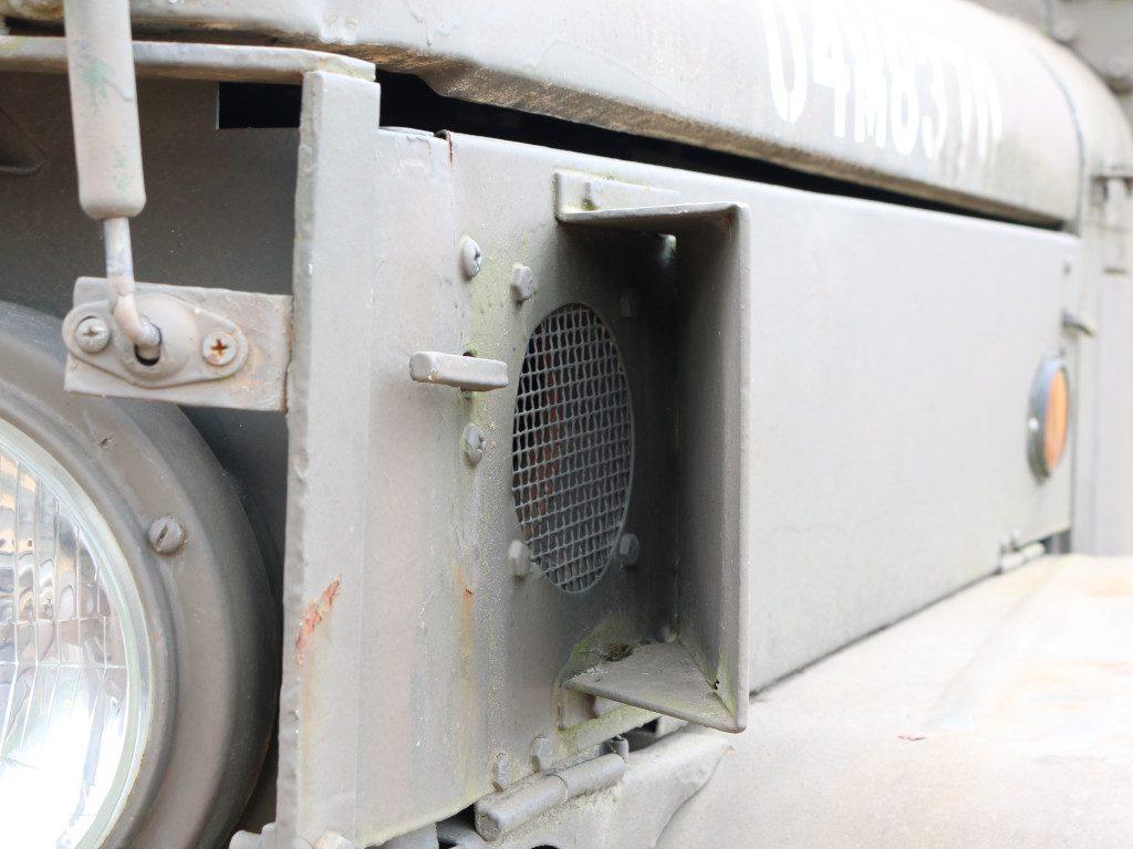 08-1024x768 M109A3 2.5-Ton 6×6 Shop Van 1:35 AFV Club (#AF35304)