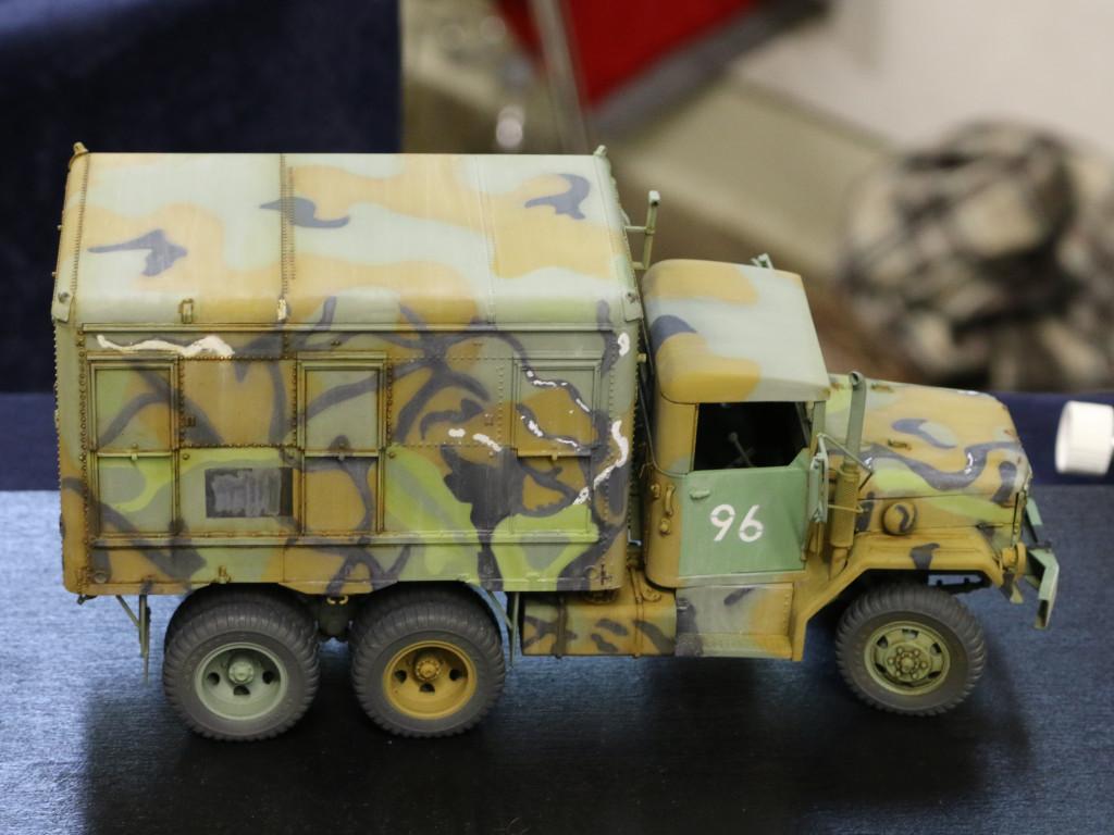 1-1 M109A3 2.5-Ton 6×6 Shop Van 1:35 AFV Club (#AF35304)