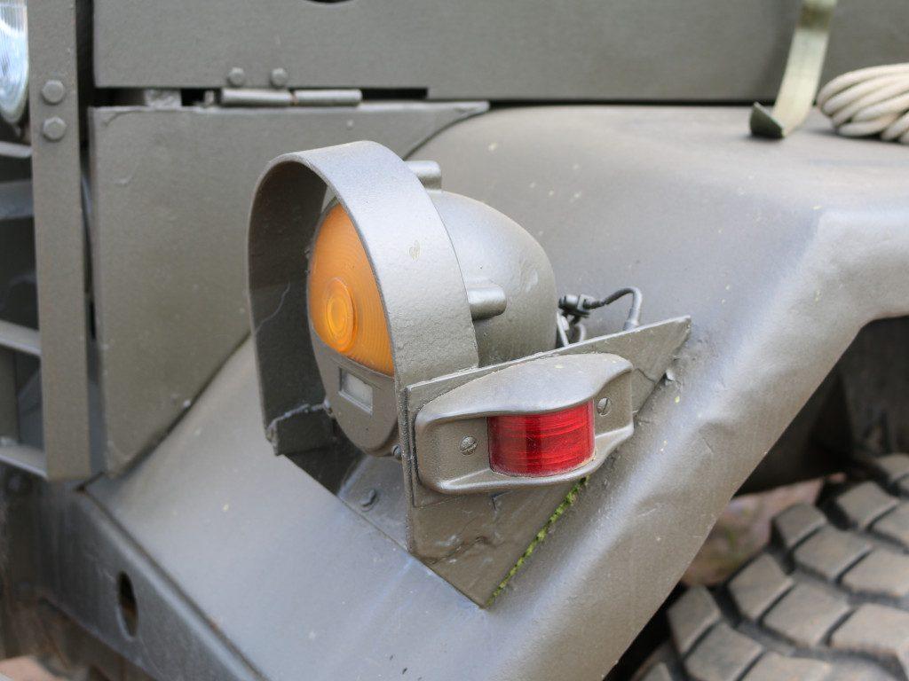 11-1024x768 M109A3 2.5-Ton 6×6 Shop Van 1:35 AFV Club (#AF35304)