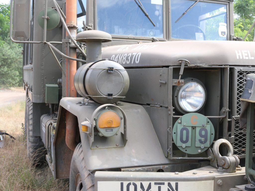 13-1024x768 M109A3 2.5-Ton 6×6 Shop Van 1:35 AFV Club (#AF35304)