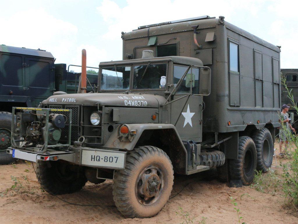 16-1024x768 M109A3 2.5-Ton 6×6 Shop Van 1:35 AFV Club (#AF35304)