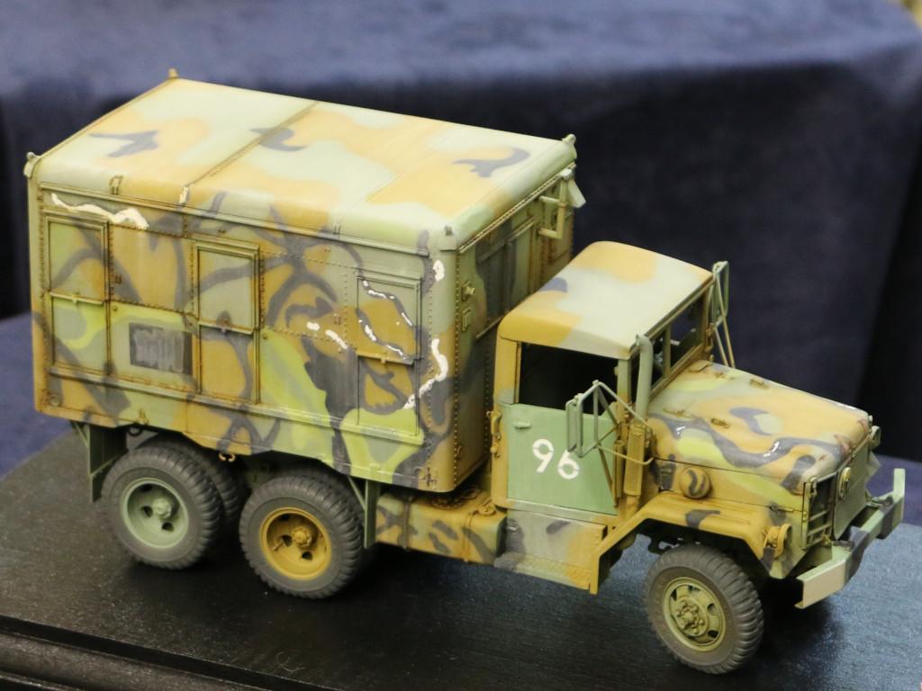 3 M109A3 2.5-Ton 6×6 Shop Van 1:35 AFV Club (#AF35304)