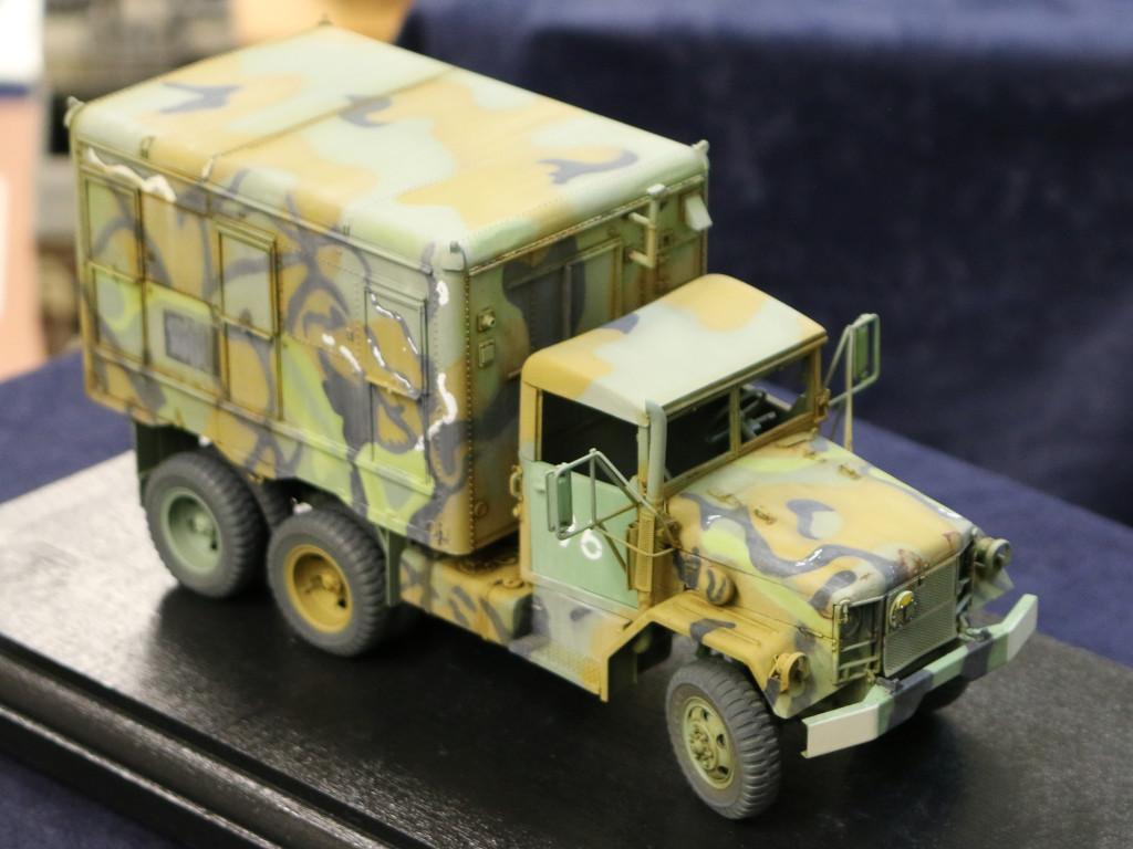 5 M109A3 2.5-Ton 6×6 Shop Van 1:35 AFV Club (#AF35304)
