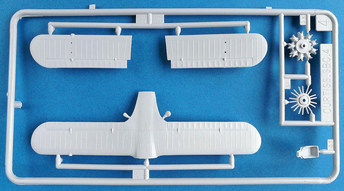 Heller-80285-Curtiss-SBC-4-Helldiver-1 Kit-Archäologie: Curtiss SBC-4 Helldiver im Maßstab 1:72 von Heller 80285
