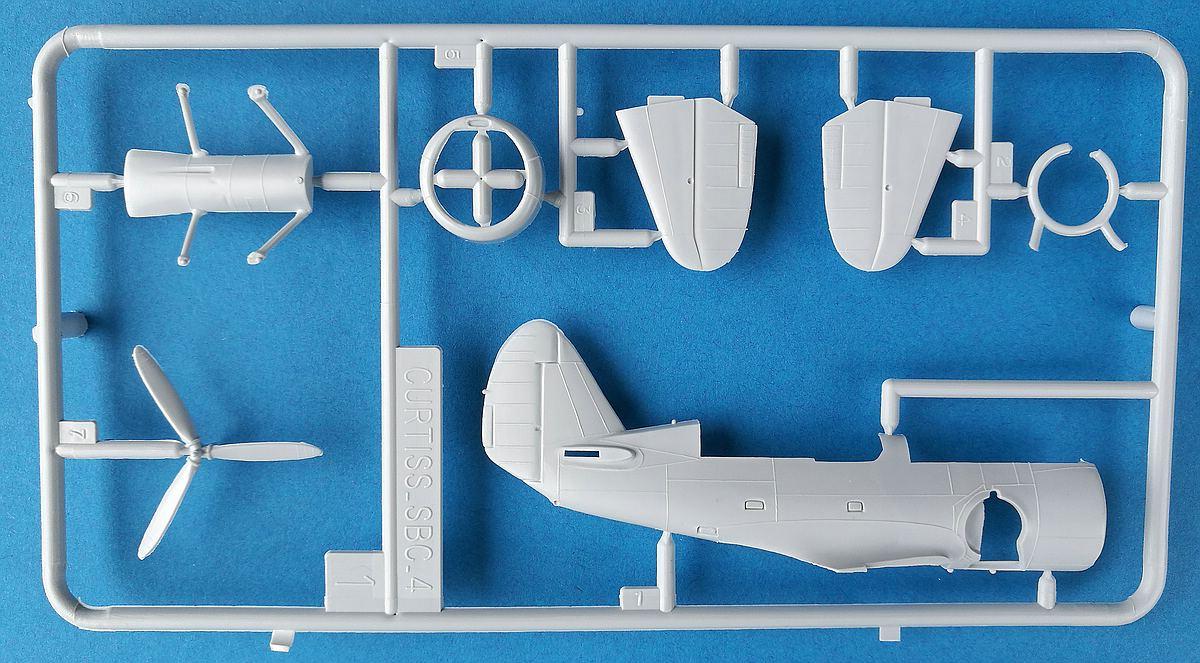 Heller-80285-Curtiss-SBC-4-Helldiver-14 Kit-Archäologie: Curtiss SBC-4 Helldiver im Maßstab 1:72 von Heller 80285