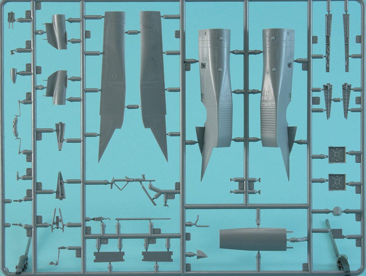 Revell-03911-Su-33-Navy-Flanker-29 Suchoi Su-33 Navy Flanker in 1:72 von Revell 03911