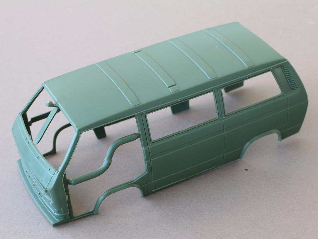 karo-1 T3 Transporter Bus Takom 1:35 (#2013)