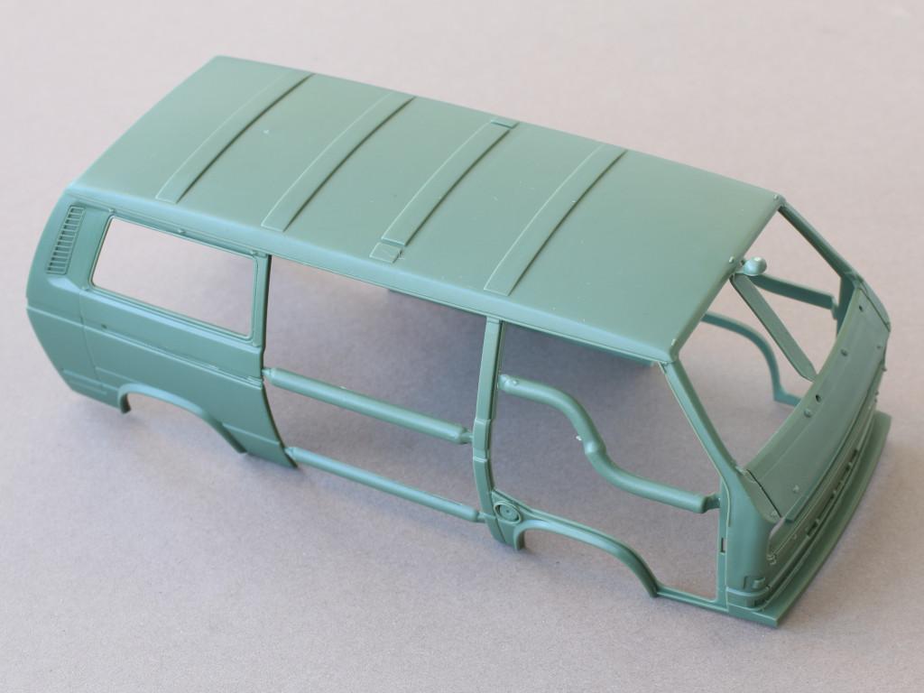 karo-2 T3 Transporter Bus Takom 1:35 (#2013)