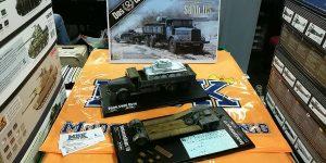 Panzertransporter Faun L 900 mit Sd.Anh. 115 im Maßstab 1:35 von Das Werk DW 35003