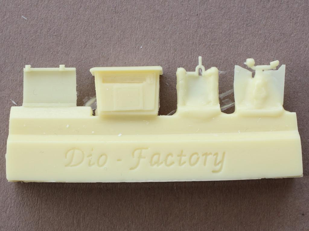 IMG_0061 Telefonzelle mit Briefkasten 1:35 Dio Factory (#1008)