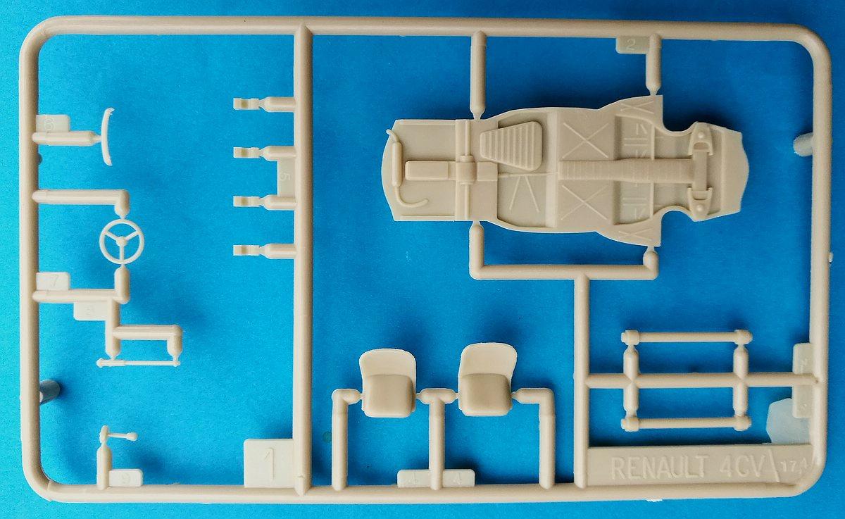 Heller-174-Renault-4CV-20 Kit-Archäologie: Renault 4CV im Maßstab 1:43 von Heller (# 174)