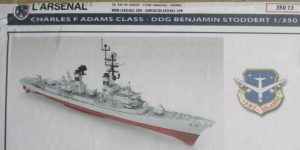 Lenkwaffenzerstörer DDG Benjamin Stoddert der Charles F. Adams Class in 1:350 von L´Arsenal 350-13