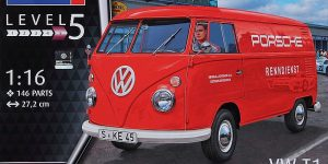 """VW T1 Kastenwagen """"Renndienst"""" im Maßstab 1:16 von Revell 07049"""